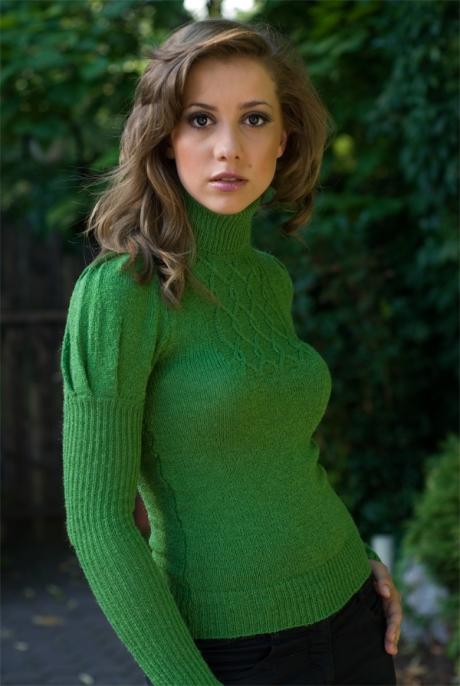 Sweter Zosia fot. Lanti